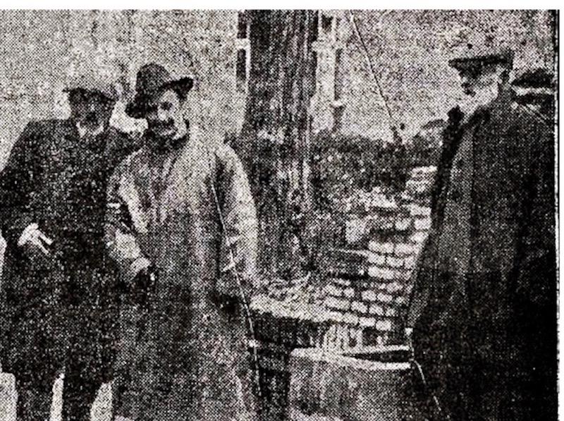 A la derecha Cayetano Galeote